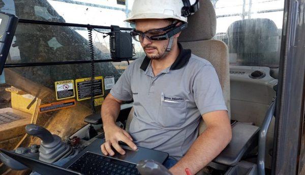 John Deere implanta Vuzix M400 Smart Glasses no Brasil