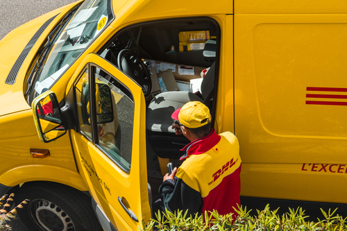 DHL and Fujitsu collaborate to bring innovative tech